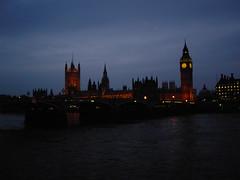 British Majesty (οίδα - voyageur entre l'instant) Tags: greatbritain sunset london tramonto dusk housesofparliament bigben clocktower sunsetting londonbigben dusking oida