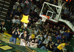 Sonics Game Dunk (Andrew M Aaron_W07) Tags: seattle aaron andrew sonics w07