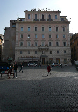 Hotel en la Plaza del Panteon