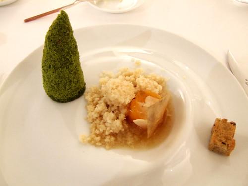 Codeillan Bages (Pauillac, France) - Caille prete a deguster, saveur tajine