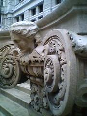 Ground-level cornice