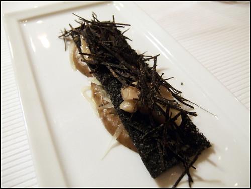 Pierre Gagnaire (Paris) - Pate de chataigne aux celeris dores - toast noir a la moelle