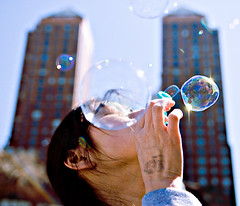 The Great Bubble Battle (Ryan Brenizer) Tags: nyc newyorkcity march nikon bubblebath 1755mmf28g gothamist d200 unionsquare 2007 bubblebathnyc