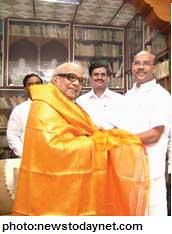 Mr. Karunanidhi & Mr. Ramadoss - Love / Hate relationship