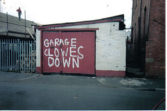 Garage on Greenside St. Openshaw Manchester (Mickaul) Tags: road street new old roof red white man sign manchester graffiti garage bad off spelling mistake ashton roofing greatermanchester greenside openshaw mickaul wwwmickaulcouk