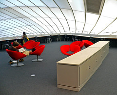Reading (svenwerk) Tags: building berlin architecture germany campus arquitectura university library seat bibliothek foster normanfoster biblioteca dome universidad architektur fu universitt sirnormanfoster freieuniversitt freeuniversity