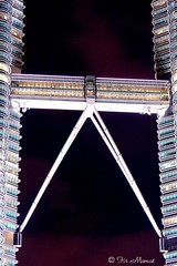 Skybridge (Twin Towers), at night (Fir..) Tags: bridge sky nightshot petronas skybridge noflash malaysia twintowers kualalumpur kl klcc