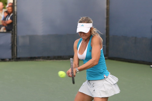 reducing tennis injury