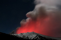 Montagnola and glow of Etna (Thomas Reichart ) Tags: red clouds wow volcano lava glow smoke great ash etna vulkan tna montagnola rifugiosapienza anawesomeshot hotelcorsaro