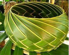 SELINGKAT (Elmer I. Nocheseda ng Pateros) Tags: decorations arch shapes weaving suman tamu ricecake palmleaf yakan plaiting palaspas coconutleaf coconutpalmleaves burileaf ricepouches tausug palmleafart leafball