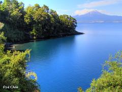 Lago Llanquihue, Chile (Rod Chile) Tags: chile blue lake lago volcano south explore sur volcn calbuco llanquihue cascadas 35faves travelerphotos