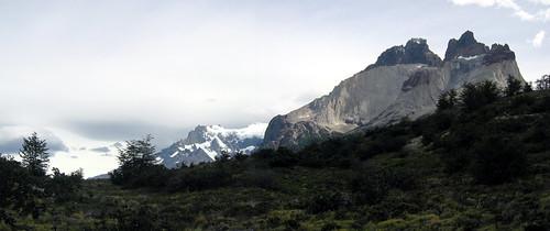 Cuernos del Paine panorama