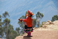 Little girl playing with hand puppets on 4000 m altitude  in Peru (picaddict) Tags: playing peru searchthebest shots outstanding handpuppets chincheros tracht nativegirl spielend outstandingshots mywinner abigfave avision p1f1 travelerphotos kindmithandpuppen vertraumt kindintracht travelerphotosperu flicksfav30 jalalspagespeoplesalbum theunforgetablepictures focuslegacy theunforgettablepictures peruvianimages worldtrekker 50earthfaves nominadacategoriaretratonios theoriginalgoldseal