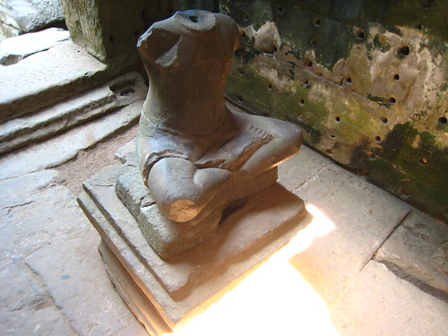 和門口將軍同病相憐的雕像