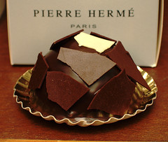 Pierre Hermé - Plénitude individuel - by Canon S3 IS in Paris, France