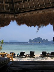 with only a few hours left in Palawan, there's really only one proper way to enjoy it... (permanently scatterbrained) Tags: island southeastasia philippines pinay pinoy palawan miniloc philippineislands elnidoresort