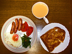 full japanese (bobby stokes) Tags: tomato japanese tea toast sausage meat friedegg spinach fryup fullenglishbreakfast fullenglish