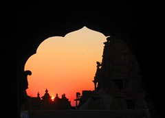 Nostalgie (frisamusic) Tags: sunset india window colors fort jaisalmer rajasthan topsy kiss2 kiss3 kiss1