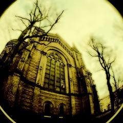 zionskirche (stoha) Tags: berlin lomo fisheye fujicolor200 berlino guessedberlin stoha abigfave lomofisheye2 gwbaudringje
