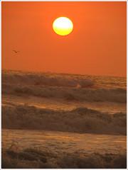 Ms alla del horizonte (PauloEscudero) Tags: sunset beach peru atardecer asia horizon playa horizonte