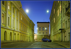 Blue Car ([ Petri ]) Tags: street finland helsinki empire kruununhaka bluecar neoclassic kellotapuli cotcpersonalfavorite carlludvigengel hallituskatu arppeanum anawesomeshot ernstlohrmann caedelfelt valtioneuvosto gustavnyström top20finland