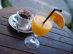 half full or half empty / my favourite cafe (cooliceblue) Tags: coffee breakfast orangejuice utatainhalf dsc04178lagbumhscr