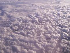 clouds over England (Mamluke) Tags: uk travel england sky sun sunlight white blanco clouds britain air wolken ciel nubes ethereal tageslicht sunlit nuages weis wit bianco blanc vapor wispy zonlicht nubi lumiredusoleil luzdelsol mamluke lucesolare