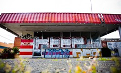 Burger and a Shake (Thomas Hawk) Tags: california usa abandoned station america graffiti restaurant berkeley unitedstates grafiti unitedstatesofamerica gas hamburgers keep eastbay sanpablo eastbaygraffiti twincastlehamburgers