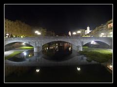 Gerona (Perkins McQuail) Tags: puente olympus girona gerona e500 sigma135400mm olympuse500 benicasim 1445mm 40150mm zuiko1445mm zuiko40150mm ex25 escenanocturna perkinsmcquail estasamarillo