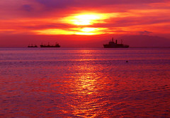 ocean burning (jobarracuda) Tags: sunset red sun silhouette lumix ship philippines manila manilabay baywalk fz50 naturesfinest panasoniclumix abigfave dmcfz50 impressedbeauty superaplus aplusphoto jobarracuda superhearts tribehorizon photofaceoffgold