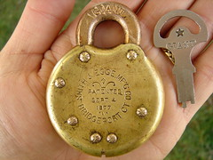 Simth & Egge Giant padlock. Lock from the 1800s!! patented 1877! (DieselDucy) Tags: giant key lock antique smith push brass padlock lever egge smithegge