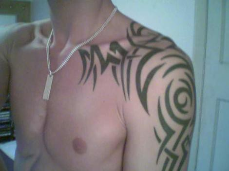 Cool shoulder tattoo. Not mine but I think this is a cool tattoo