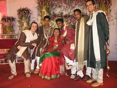 nupur with her cousins (sita puddin pie) Tags: family wedding india david sam cousins sunny hindu rohit 2007 jamshedpur nupur jharkhand lalit niladri sinhafamily nupurlalitwedding
