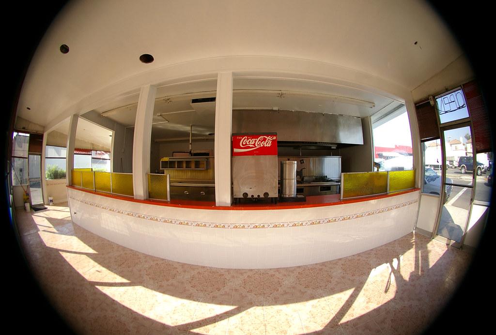 La Habra abandoned eatery (fisheye)