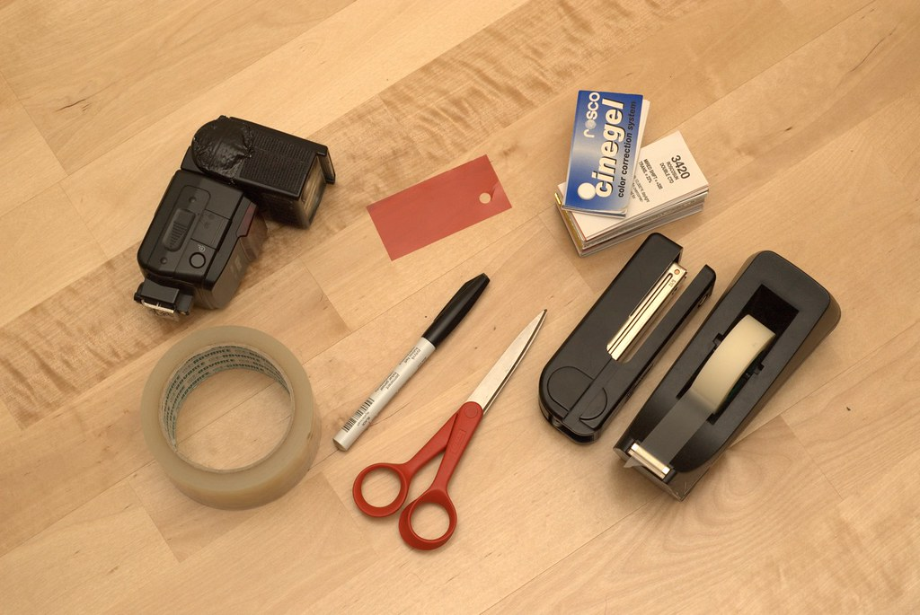 Equipment to attach a Rosco sample filter to an SB-600 flash