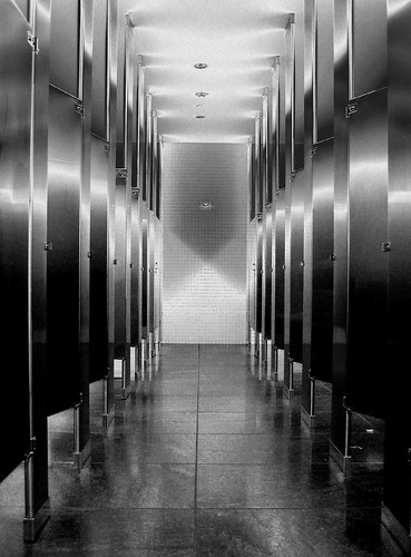 Solarized Black & White Stalls