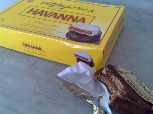 A chocolate alfajor