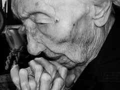 agnes prays (hystericalist) Tags: old portrait people woman senior face female person hands prayer pray praying bodylanguage elderly wrinkles 123portraits