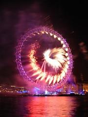London New Year 2007 Fireworks (Souvik_Prometure) Tags: new london fireworks year londoneye 2007 souvikbhattacharya