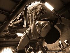 breakdance entrainement (homardpayette) Tags: street original people urban music house beautiful training wonderful dance lock spirit dancer pop hiphop hip hop breakdance breakdancing bboy breakdancer breaker juste acrobatic entrainement maximum newstyle debout homardpayette domshine photobreakdance photographebreakdance photographerbreakdance