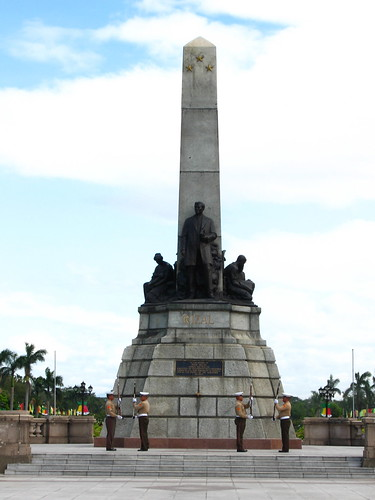 Luneta (Rizal Park) by k♥money.