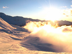 Clouds enveloping the piste (petes_travels) Tags: sun france sunshine les clouds savoie arcs piste skiers paradiski peisey vallandry
