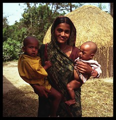mother (janchan) Tags: portrait people woman kids rollei rolleiflex children women asia bambini retrato mother documentary donne ritratto bangladesh reportage nasirnagar abigfave impressedbeauty brahmanbaria readingforchildren whitetaraproductions