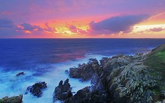 On the Edge of Brittany (David Giral | davidgiralphoto.com) Tags: ocean longexposure sunset sea mer david france landscape soleil landscapes nikon brittany europe coucher bretagne atlantic breizh pointe d200 29 paysage paysages bzh finistre atlantique saintmathieu balise giral nikond200 pointesaintmathieu 18200mmf3556gvr abigfave copyrightdgiral davidgiral