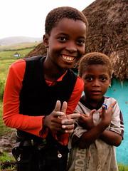 South Africa : Xhosas boys (KraKote est KoKasse.) Tags: africa portrait southafrica coffeebay xhosa sourire afrique garcon krakote nearnet forcont wwwkrakotecom valeriebaeriswyl