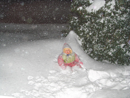 Snow-Baby (lost in a winter night)