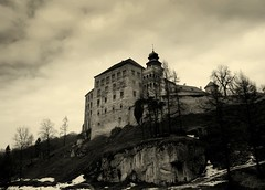 Castles & Dreams 15 - Haunted Mansion 2 (Ewciak & Leto) Tags: sky clouds dark darkness hill gothic goth dream fantasy horror nightmare legend canoneos350d mystic hauntedmansion 250v10f v401500 v101200 v76100 v501600 v601700 v701800 v201300 castlesdreams v301400 v801900 scaryhouses v9011000 v10001250 v12501500