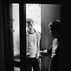 Brothers (Rsms) Tags: door portrait bw film grey diy fuji open olympus scan fredrik developed mattias om1 trollhttan pr400 fredrikarrelid mattiasarrelid