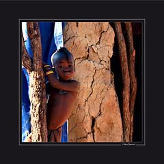 Namibie : texture chocolate (KraKote est KoKasse.) Tags: africa boy portrait people square african culture tribal safari afrika tribe ethnic frontpage namibia tribo 30x30 himba carr afrique ethnology tribu namibie tribus ethnie seenonexplore colorphotoaward krakote neyann necouramb maselection nedeclicjardin nehayet neremi forcont wwwkrakotecom valeriebaeriswyl