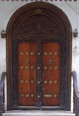 Stone Town door Indian style (imanh) Tags: africa door tanzania indian afrika zanzibar stonetown deur iman indiaas heijboer imanh